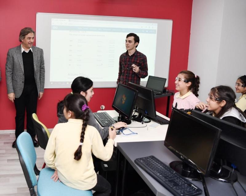 Akademi Beyoğlu'nda Robotik Kodlama Eğitimleri Başladı!