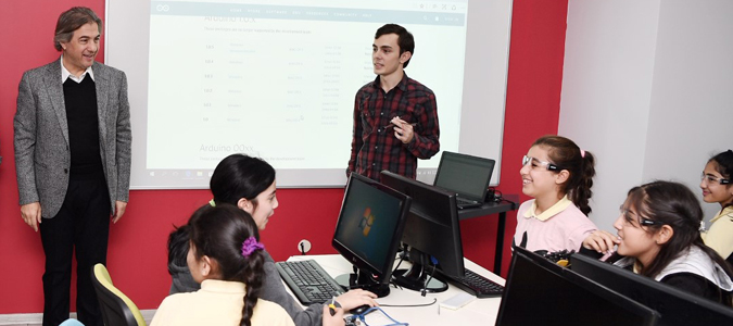 Akademi Beyoğlu'nda Robotik Kodlama Eğitimleri Başladı