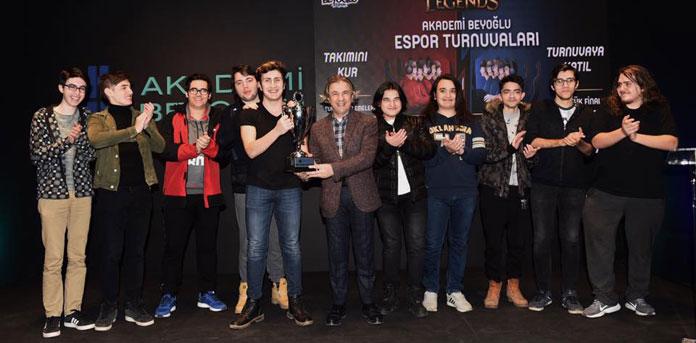 Espor Turnuvası'nda Kupa Heyecanı